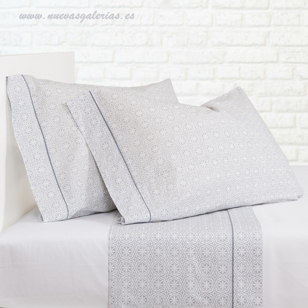 Bassols Sheet Set Siwa Gris | Bassols - 1 Sheet Set Siwa Gray by Bassols 100% Egyptian Cotton Mercerized Hair 200 thread. 3 piec