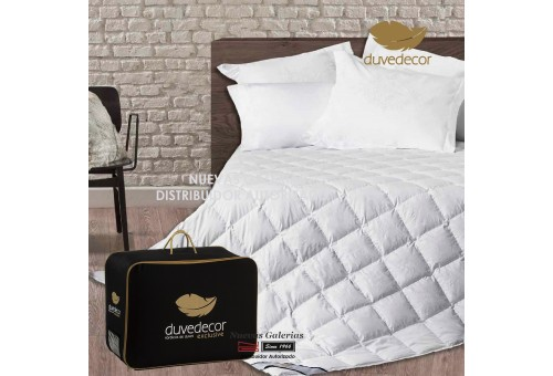 Duvedecor Mamry 880 Fill Power Spring Down Comforter