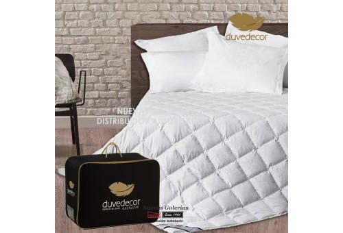 Duvedecor Khantai 910 Fill Power All Seasons Plus Down Comforter