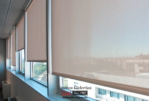 Roller Shade Reflective POLYSCREEN® 473 METAL | Bandalux