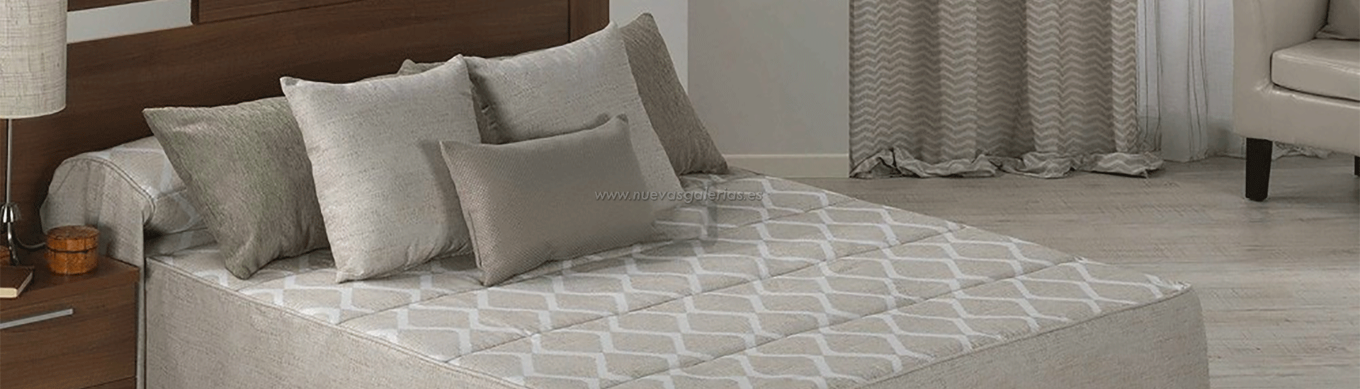 Quilting straight fall on the sides that will adapt perfectly to the bed thanks to the openings in its corners smooth designs prints or embroidery
